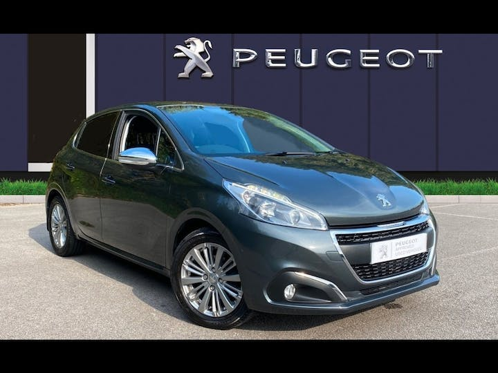 Peugeot 208 1.2 Puretech Allure Hatchback 5dr Petrol (82 Ps) | AY67LDZ | Photo 1