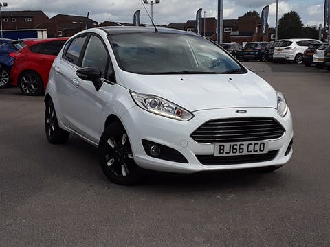 Ford Fiesta 1.25 Zetec White Edition Hatchback 5dr Petrol Manual (122 G/km, 81 Bhp) | BJ66CCO