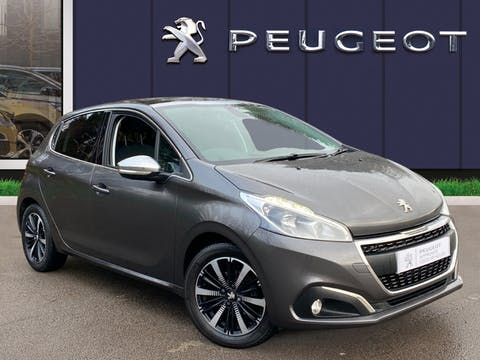 Peugeot 208 1.2 Puretech Allure Premium Hatchback 5dr Petrol (s/s) (82 Ps) | DA67BJJ
