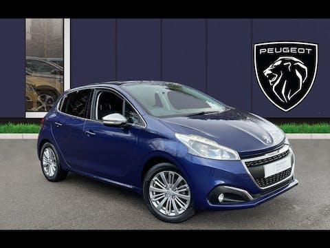Peugeot 208 1.2 Puretech Allure Hatchback 5dr Petrol (s/s) (82 Ps) | DY67XDZ