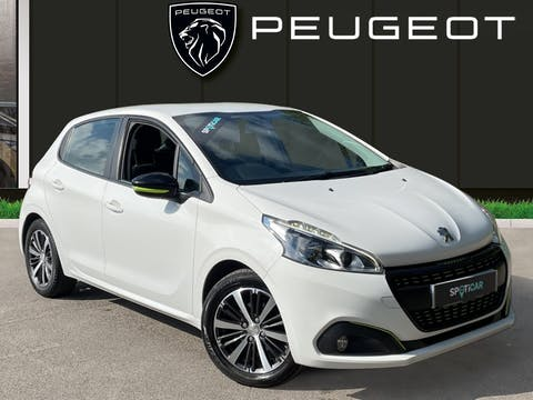 Peugeot 208 1.2 Puretech Active Design Lime Hatchback 5dr Petrol (82 Ps)   FX66XZW