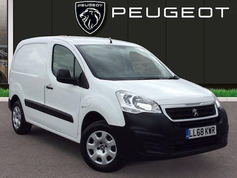 Peugeot Partner E Electric SE Panel Van 5dr Electric Automatic (0 G/km, 65.71 Bhp) | LL68KWR