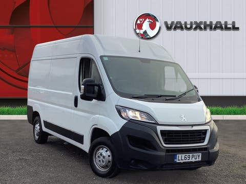 Peugeot Boxer 2.2 Bluehdi 335 Professional Panel Van 5dr Diesel Manual L2 H2 Eu6 (s/s) (140 Ps) | LL69PUY