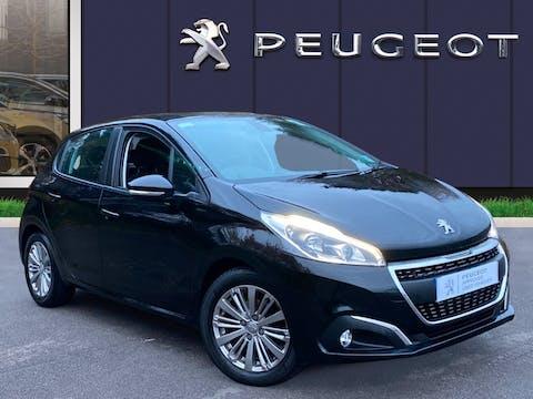 Peugeot 208 1.2 Puretech Signature Hatchback 5dr Petrol (s/s) (82 Ps) | NU68JHO