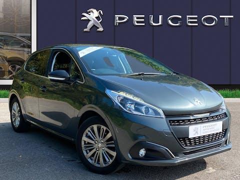 Peugeot 208 1.2 Puretech Allure Hatchback 5dr Petrol (82 Ps)   SA67SRV