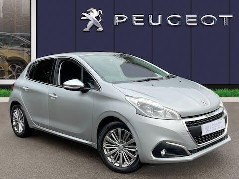 Peugeot 208 1.2 Puretech Allure Hatchback 5dr Petrol (s/s) (82 Ps) | VE18KBP