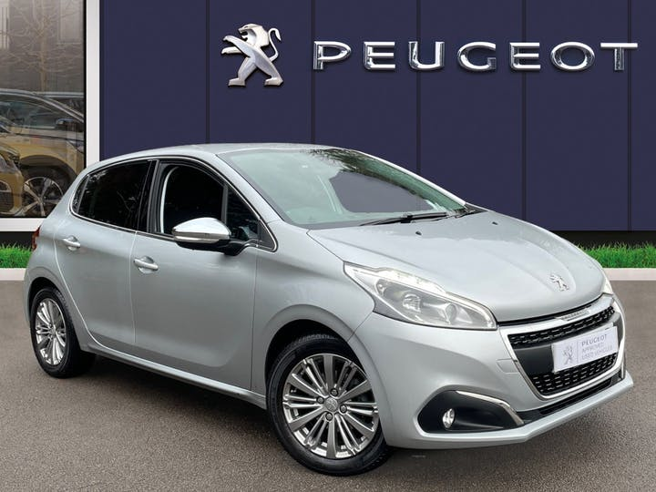 Peugeot 208 1.2 Puretech Allure Hatchback 5dr Petrol (s/s) (82 Ps) | VE18KBP | Photo 1