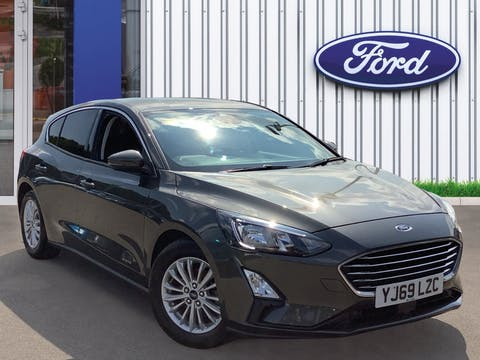 Ford Focus 1.0t Ecoboost Titanium Hatchback 5dr Petrol Manual (s/s) (125 Ps) | YJ69LZC