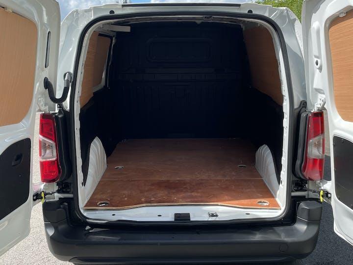 Vauxhall Combo 2000 1.6 Turbo D 1 00PS H1 Edition Van | DS19JDU | Photo 10
