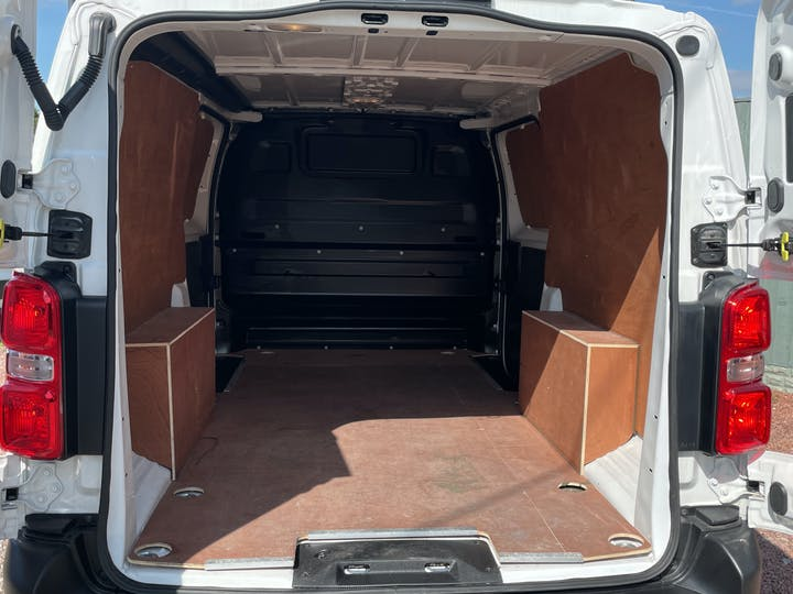 Vauxhall Vivaro 1.5 Turbo D 2900 Dynamic Panel Van 6dr Diesel Manual L2 H1 Eu6 (s/s) (100 Ps) | DV20AFN | Photo 10