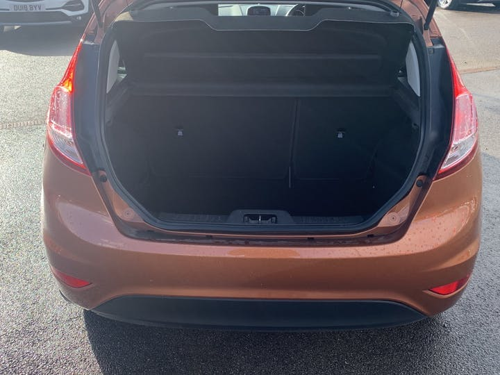 Ford Fiesta 1.0 T Ecoboost Zetec Hatchback 5dr Petrol Manual (s/s) (99 G/km, 99 Bhp)   EO65XRJ   Photo 10