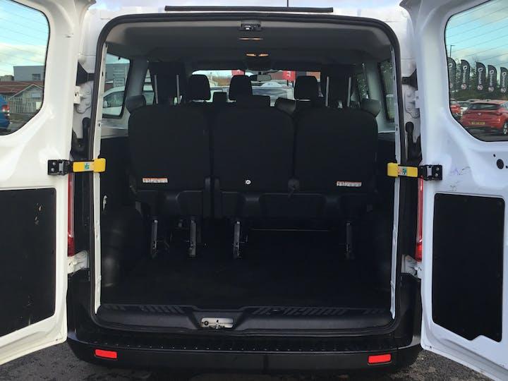 Ford Transit Custom 2.0 320 Ecoblue Kombi 5dr Diesel Manual L2 H1 Eu6 (s/s) (9 Seat) (130 Ps) | FL68BLN | Photo 10