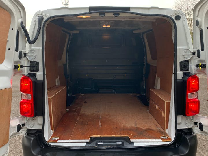 Citroen Dispatch 2.0 Bluehdi 1400 Enterprise M Panel Van 6dr Diesel Manual MWB Eu6 (s/s) (120 Ps) | LG19CYC | Photo 10