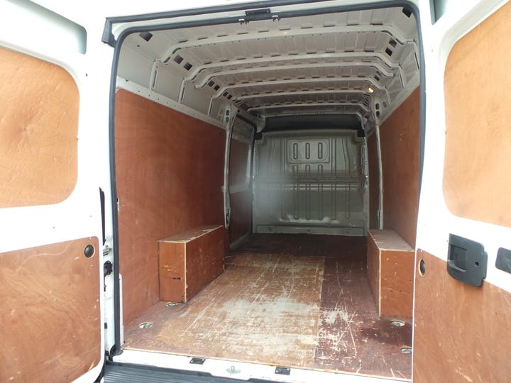 Peugeot Boxer 2.0 Bluehdi 435 Professional Panel Van 5dr Diesel Manual L4 H2 Eu6 (130 Ps) | LR68RZD | Photo 10