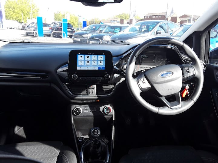 Ford Fiesta 1.1 Zetec 5dr | MD17OUG | Photo 10