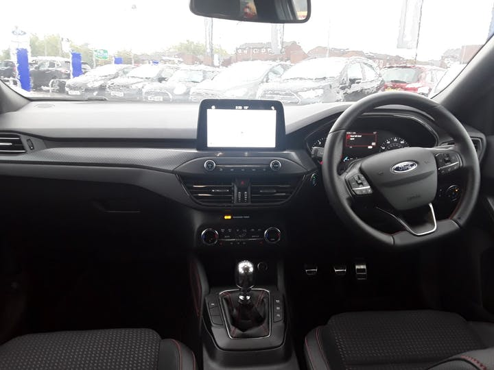 Ford Focus 1.0 Ecoboost 125PS ST-line X 5dr   MH68PYG   Photo 10