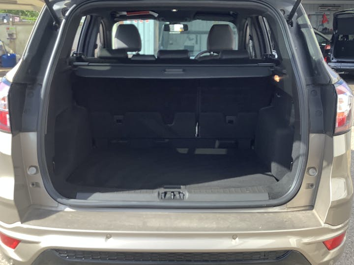 Ford Kuga 1.5 TDCi St Line SUV 5dr Diesel Manual (s/s) (120 Ps) | MV19AAY | Photo 10