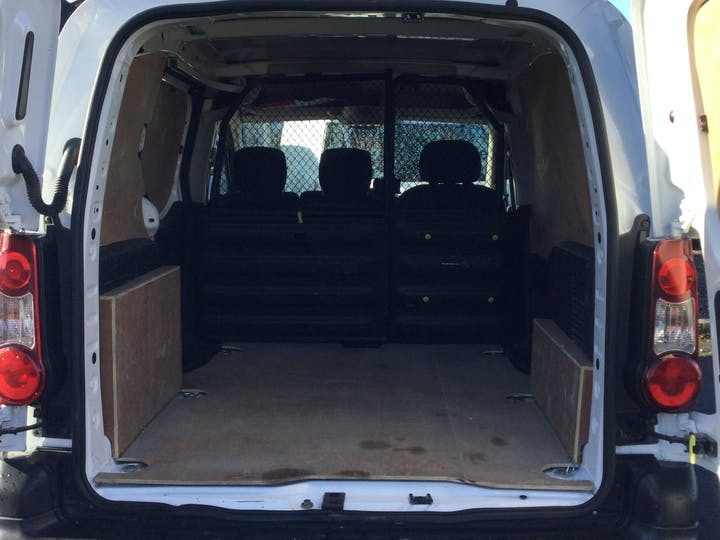 Peugeot Partner 1.6 Bluehdi Professional L1 Panel Van 5dr Diesel Manual (112 G/km, 97.64 Bhp) | NU67ARF | Photo 10