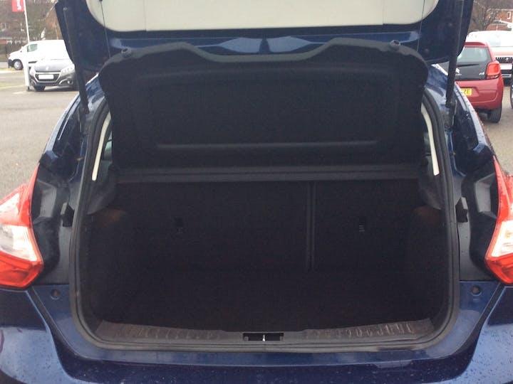 Ford Focus 1.6 Ti Vct Zetec Hatchback 5dr Petrol Manual (136 G/km, 103 Bhp) | SD11EAX | Photo 10