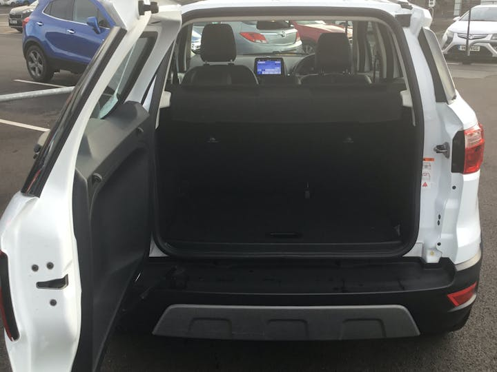 Ford EcoSport 1.0t Ecoboost Titanium SUV 5dr Petrol Auto (s/s) (125 Ps) | YP68XTW | Photo 10