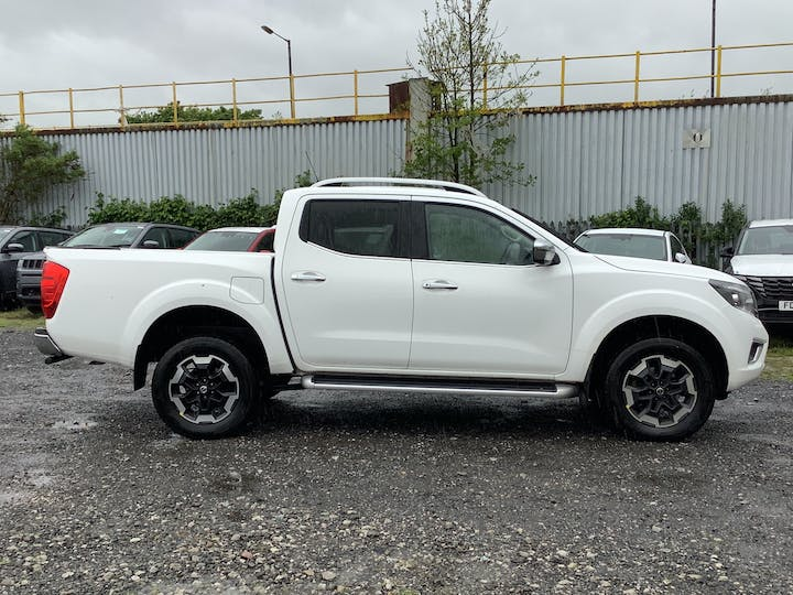 Nissan Navara 2.3 DCi Tekna Double Cab Pickup 4dr Diesel Manual 4wd (s/s) (sunroof) (190 Ps) | BG69VCL | Photo 11