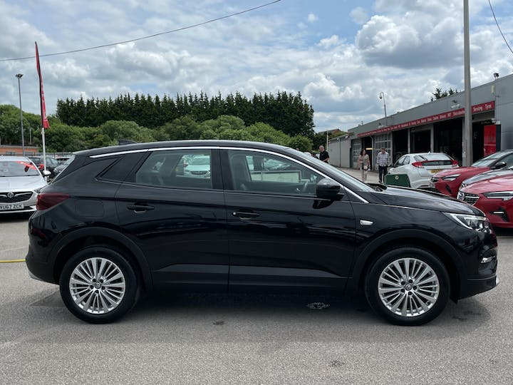 Vauxhall Grandland X 1.5 Turbo D Blueinjection Sport Nav SUV 5dr Diesel Manual (s/s) (130 Ps) | DY19DHO | Photo 11
