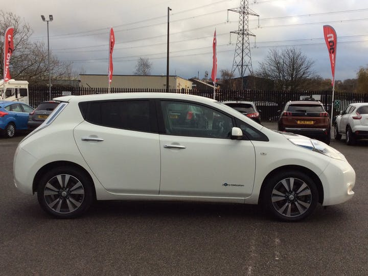 Nissan Leaf (24kwh) Tekna Hatchback 5dr Electric Automatic (0 G/km, 107 Bhp) | EY64KFZ | Photo 11