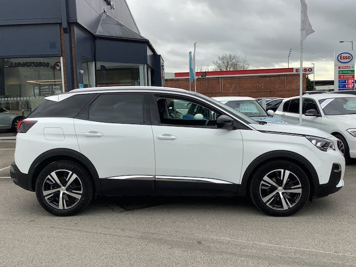 Peugeot 3008 1.5 Bluehdi Allure SUV 5dr Diesel (s/s) (130 Ps) | FP69MZW | Photo 11