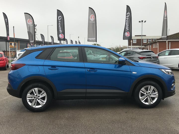 Vauxhall Grandland X 1.5 Turbo D Blueinjection SE SUV 5dr Diesel Manual (s/s) (130 Ps) | FP70ODK | Photo 11