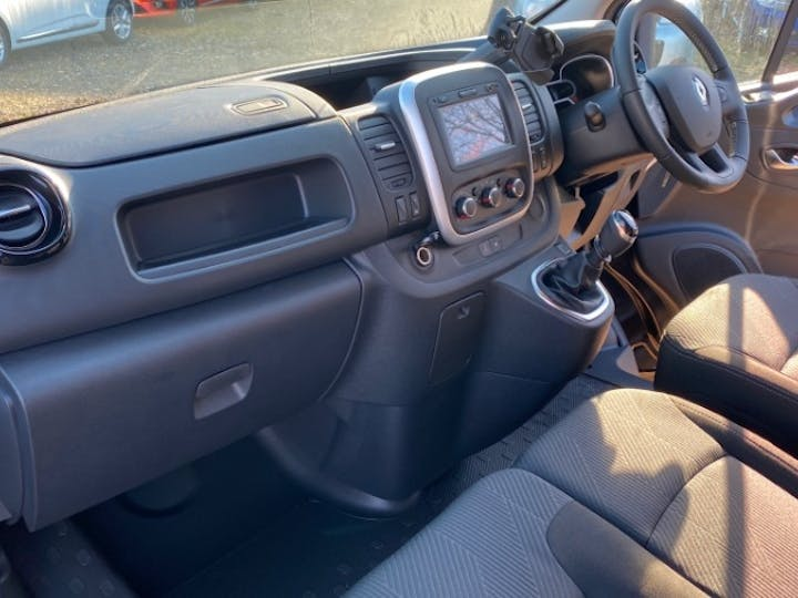 Renault Trafic 2.0 DCi Energy 30 Sport Nav Panel Van 5dr Diesel Manual LWB Standard Roof Eu6 (s/s) (120 Ps) | FV70KPX | Photo 11
