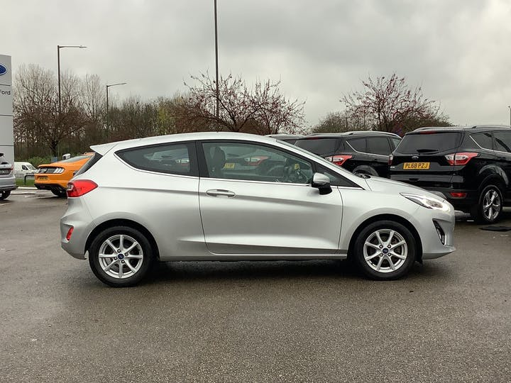 Ford Fiesta 1.1 Ti Vct Zetec Hatchback 3dr Petrol Manual (s/s) (85 Ps) | MJ67XRK | Photo 11