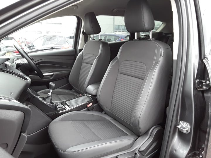Ford Kuga 1.5 TDCi Titanium 5dr 2wd | ML67FBF | Photo 11