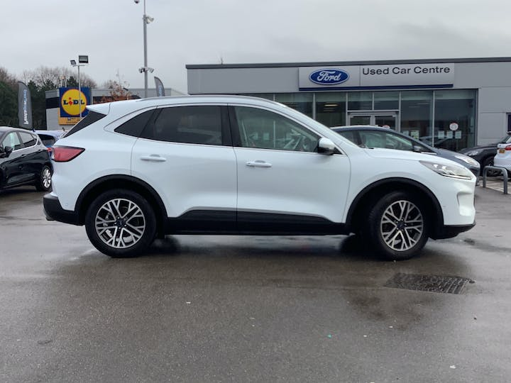Ford Kuga 1.5t Ecoboost Titanium First Edition SUV 5dr Petrol Manual (s/s) (150 Ps) | MT70NBK | Photo 11