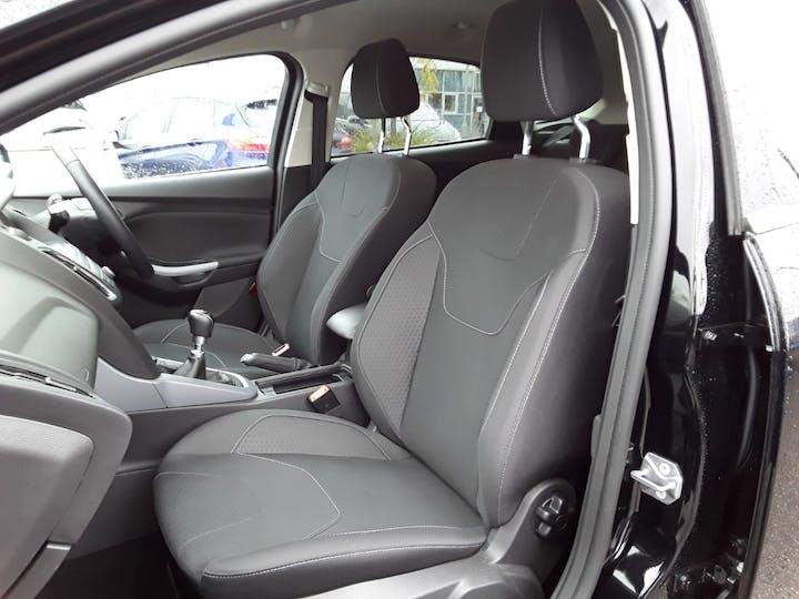 Ford Focus 1.0t Ecoboost Zetec Edition Hatchback 5dr Petrol (s/s) (125 Ps) | MW18SUA | Photo 11