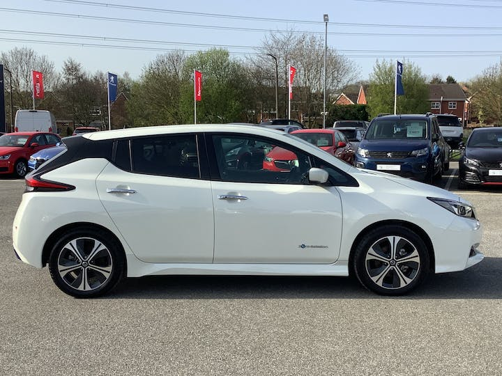 Nissan Leaf 40kwh Tekna Hatchback 5dr Electric Auto (150 Ps) | VA69EOS | Photo 11