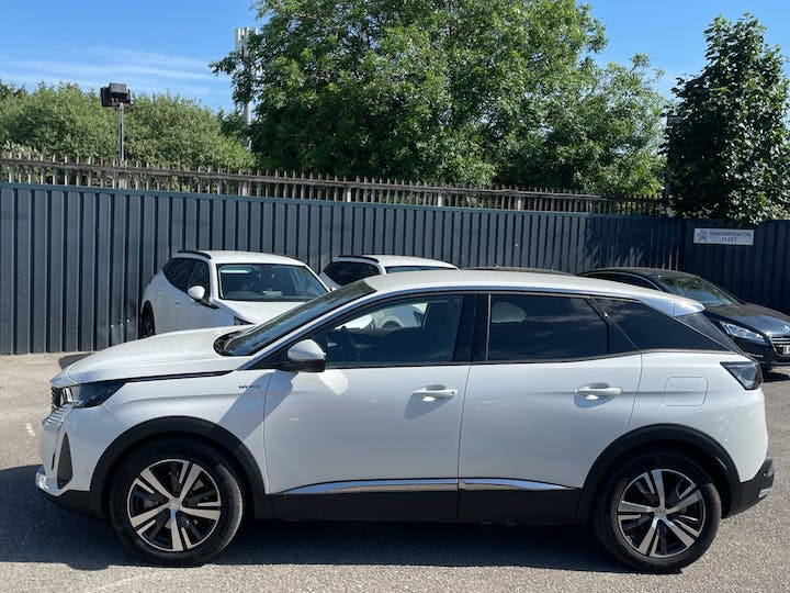 Peugeot 3008 1.6 13.2kwh Allure SUV 5dr Petrol Plug In Hybrid E Eat (s/s) (225 Ps)   FN21YYX   Photo 12