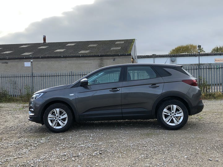 Vauxhall Grandland X 1.5 Turbo D Blueinjection SE SUV 5dr Diesel Auto (s/s) (130 Ps) | FP70KHL | Photo 12