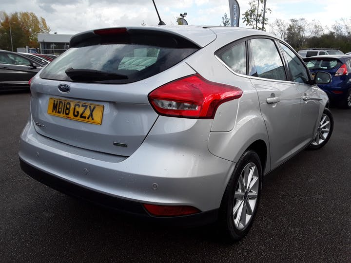 Ford Focus 1.0t Ecoboost Titanium Hatchback 5dr Petrol (s/s) (125 Ps) | MD18GZX | Photo 12