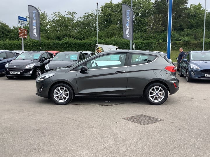 Ford Fiesta 1.1 Ti Vct Zetec Hatchback 3dr Petrol Manual (s/s) (85 Ps)   MD67JWO   Photo 12