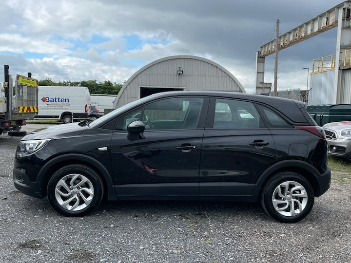 Vauxhall Crossland X 1.6 Turbo D Ecotec Blueinjection SE SUV 5dr Diesel Manual (s/s) (99 Ps) | YD18NHM | Photo 12