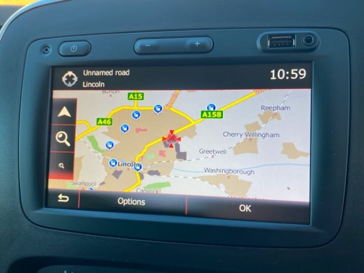 Renault Trafic 2.0 DCi Energy 30 Sport Nav Panel Van 5dr Diesel Manual LWB Standard Roof Eu6 (s/s) (120 Ps) | FV70KPX | Photo 13