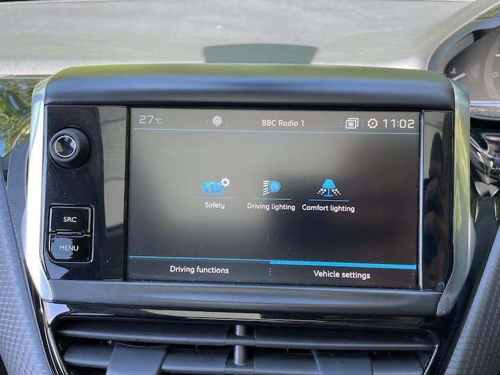Peugeot 2008 1.2 Puretech Allure Premium SUV 5dr Petrol (s/s) (82 Ps)   WJ19TZY   Photo 13