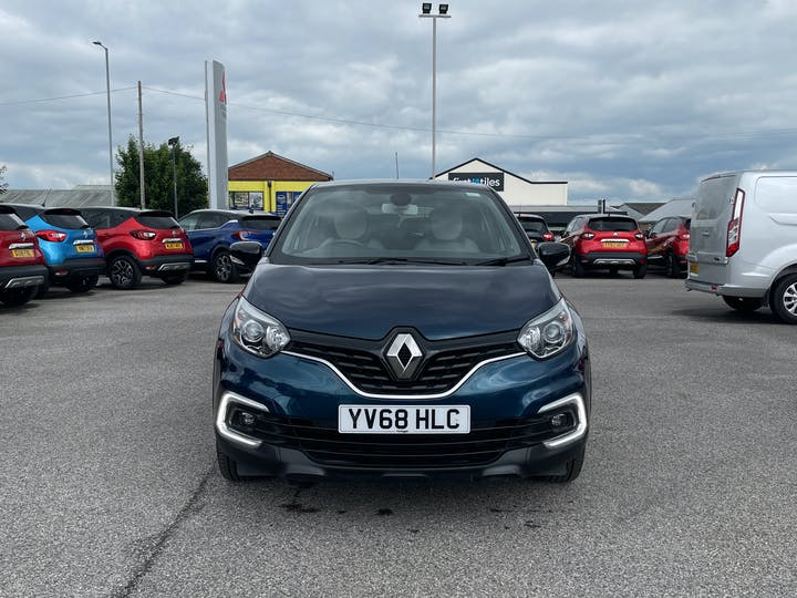 Renault Captur 0.9 Tce Iconic SUV 5dr Petrol (s/s) (90 Ps)   YV68HLC   Photo 13