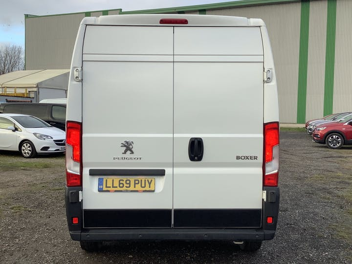 Peugeot Boxer 2.2 Bluehdi 335 Professional Panel Van 5dr Diesel Manual L2 H2 Eu6 (s/s) (140 Ps) | LL69PUY | Photo 14