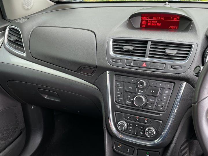 Vauxhall Mokka 1.7 CDTi Ecoflex 16V Exclusiv Hatchback 5dr Diesel Manual FWD (s/s) (120 G/km, 128 Bhp) | LR64OMJ | Photo 14