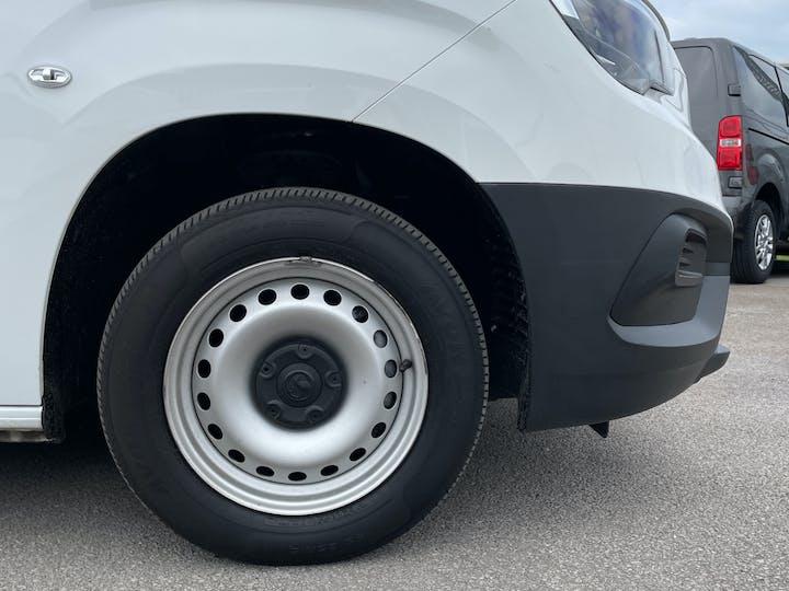 Vauxhall Combo L1 Diesel Combo Cargo 2000 1.6 Turbo D 7 5PS H1 Edition Van | DP19VBN | Photo 15