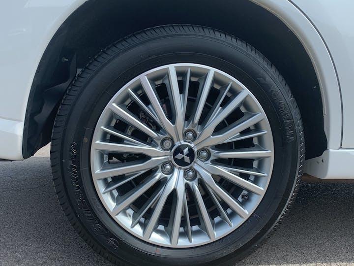 Mitsubishi Outlander 2.4h Twinmotor 13.8kwh 4h SUV 5dr Petrol Plug In Hybrid Cvt 4wd (s/s) (209 Ps) | FE68ZDK | Photo 15
