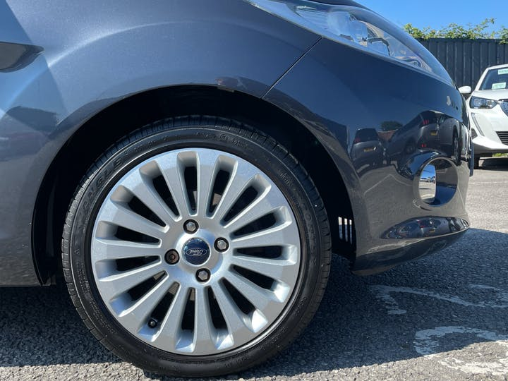 Ford Fiesta 1.4 Titanium Hatchback 5dr Petrol Manual (133 G/km, 94 Bhp)   FG60RZX   Photo 15