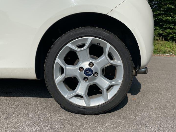 Ford Ka 1.2 Metal Hatchback 3dr Petrol Manual (115 G/km, 69 Bhp)   FM15XVN   Photo 15