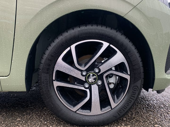 Peugeot 108 1.0 Collection Hatchback 5dr Petrol (s/s) (72 Ps)   FP70HZF   Photo 15